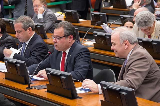 Danilo Cabral destaca importância da aprovação do referendo sobre privatização da Eletrobras na CCJ