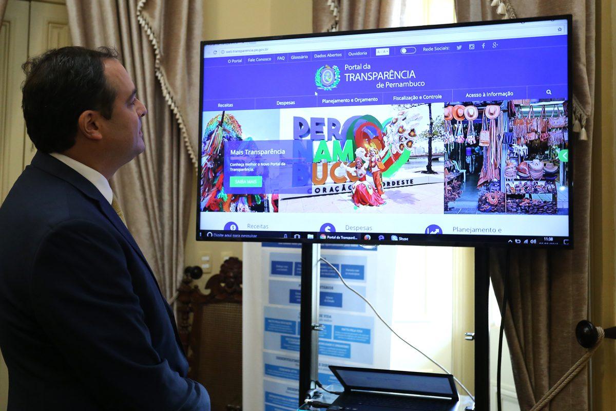 Governador Paulo Câmara reafirma compromisso com a transparência pública durante entrega de novo portal