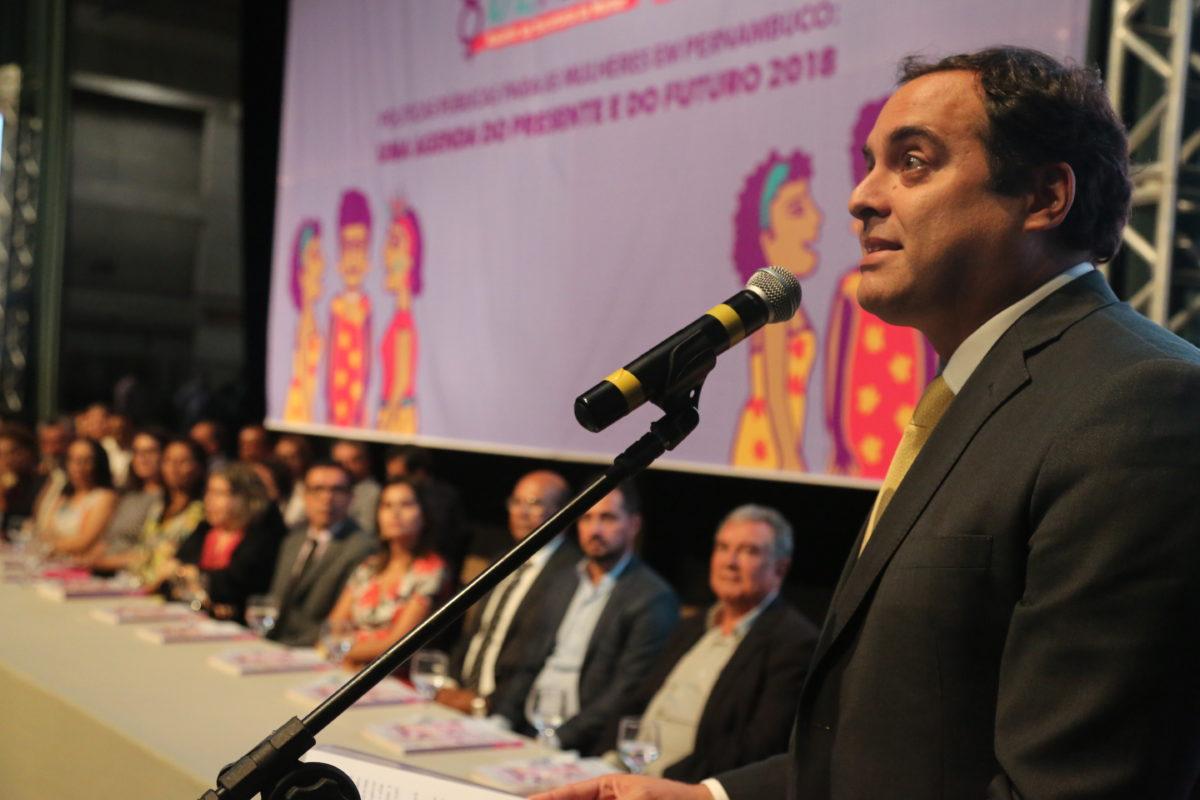 Paulo Câmara lança 12ª Edição do Anuário 8 de Março