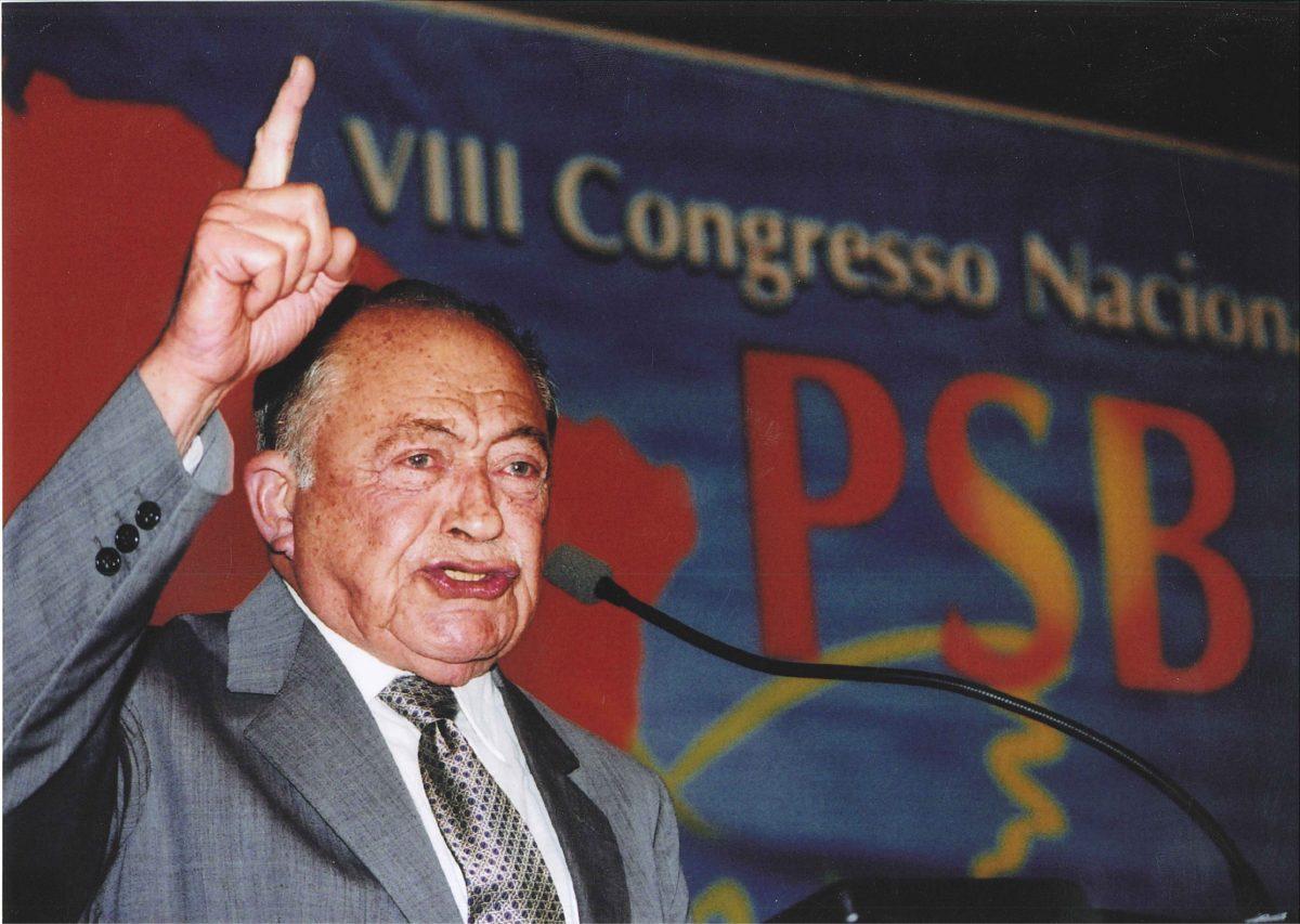 Projeto que inclui nome de Miguel Arraes no livro Heróis da Pátria aguarda sanção presidencial