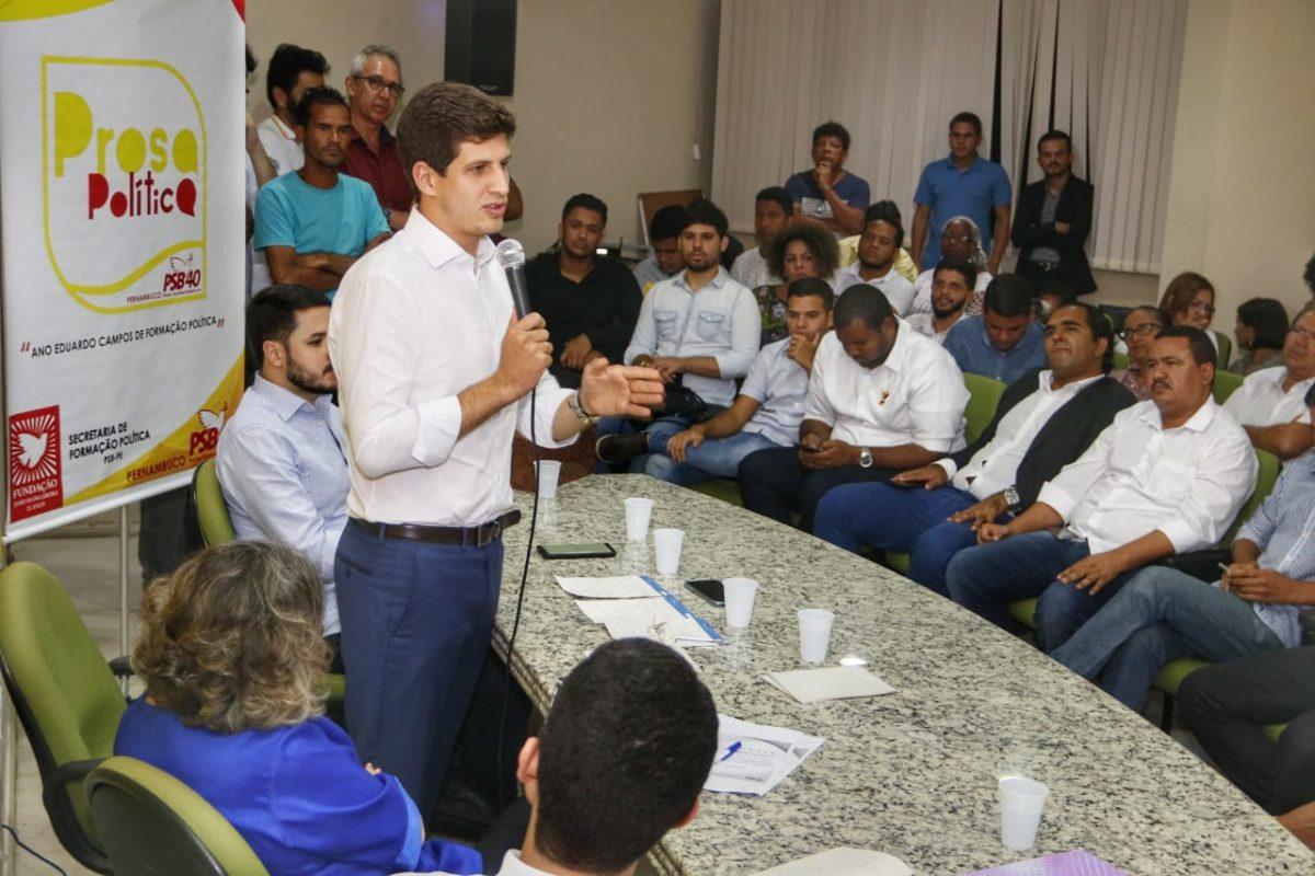 PSB reúne militância para discutir inserção da juventude na política