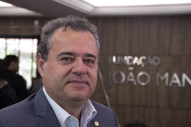 Danilo Cabral assume liderança do PSB na Câmara Federal