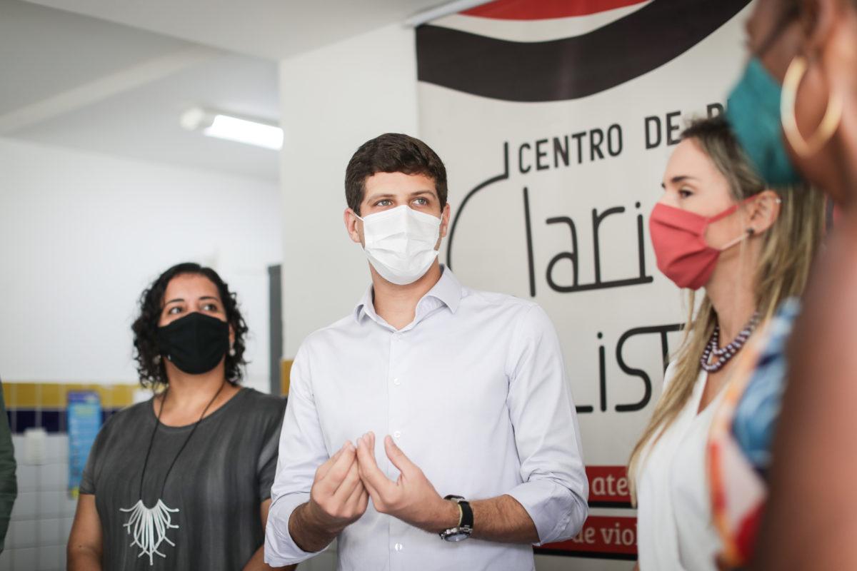 No 8 de março, João Campos anuncia conjunto de medidas para fortalecer políticas e ampliar os serviços para as mulheres da cidade